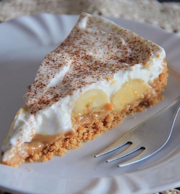 Banoffe de Banana: É receita fáceis e Infalível, sobremesa é uma sobremesa de dar água na boca. Em primeiro lugar esta e uma receita simples de fazer,