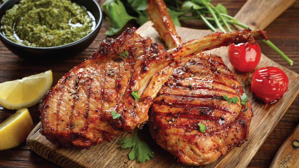 Carne de Porco - Particularmente carne preferida aqui em casa,e faz sucesso na mesa junto com minha família. Fica uma delicia e fácil de preparar