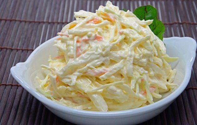 Salada de repolho uma deliciosa que prepara rapidinho,é incrivelmente demais,opção prática para um almoço incrementado.Acompanhe o modo de preparo
